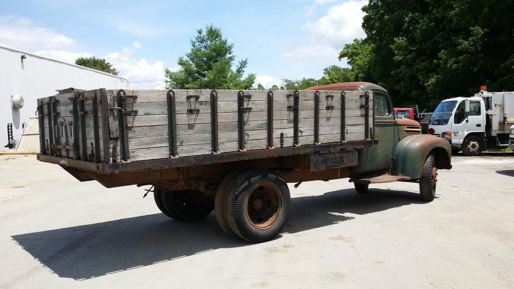 1946 Ford 1 1/2 Ton Grain truck
