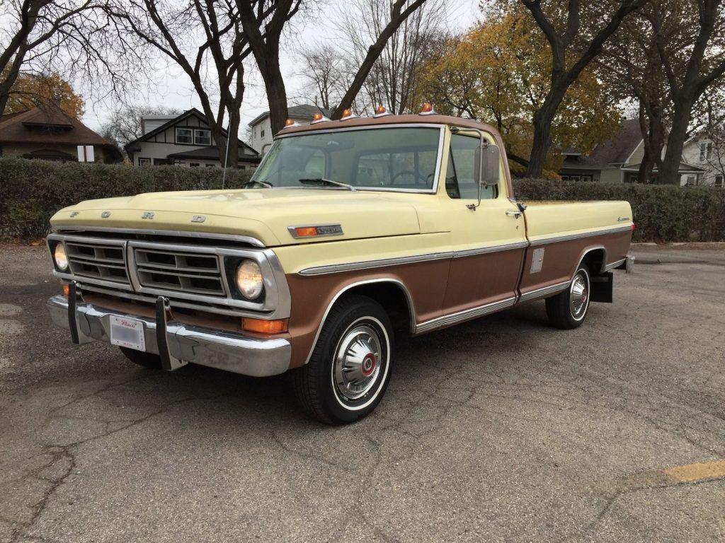 Two tone 1972 Ford F-100 Sport Custom pickup truck