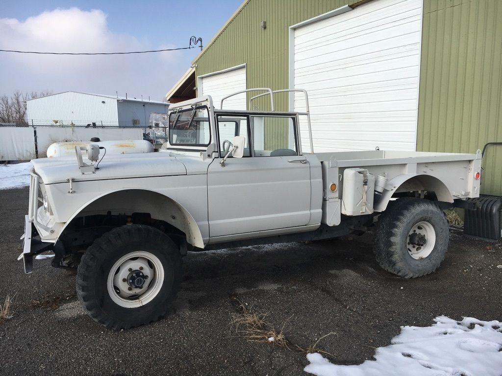 vintage military 1967 kaiser jeep 1 1 4 ton m715 truck for sale. Black Bedroom Furniture Sets. Home Design Ideas
