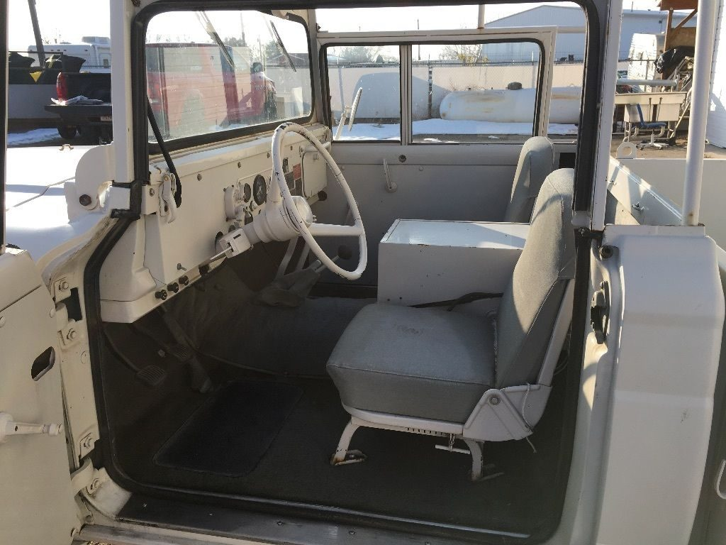 Vintage military 1967 Kaiser Jeep 1 1/4 ton M715 Truck