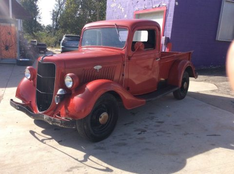 Vintage red 1935 Ford F-100 Pickup Truck for sale