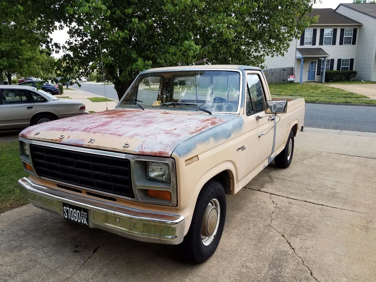 little rust 1981 ford f 100 custom vintage pickup for sale. Black Bedroom Furniture Sets. Home Design Ideas