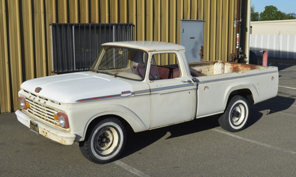 Strong hauler 1963 Ford F 250 CUSTOM vintage truck