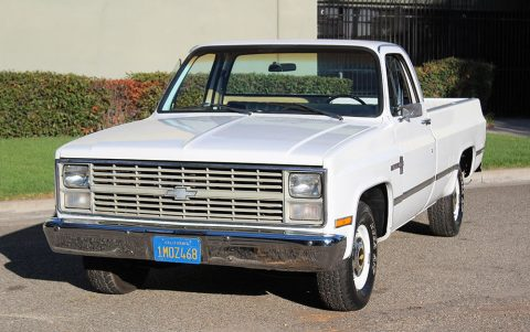 Almost flawless 1984 Chevrolet C 10 Custom Deluxe / Scottsdale / Silverado vintage for sale