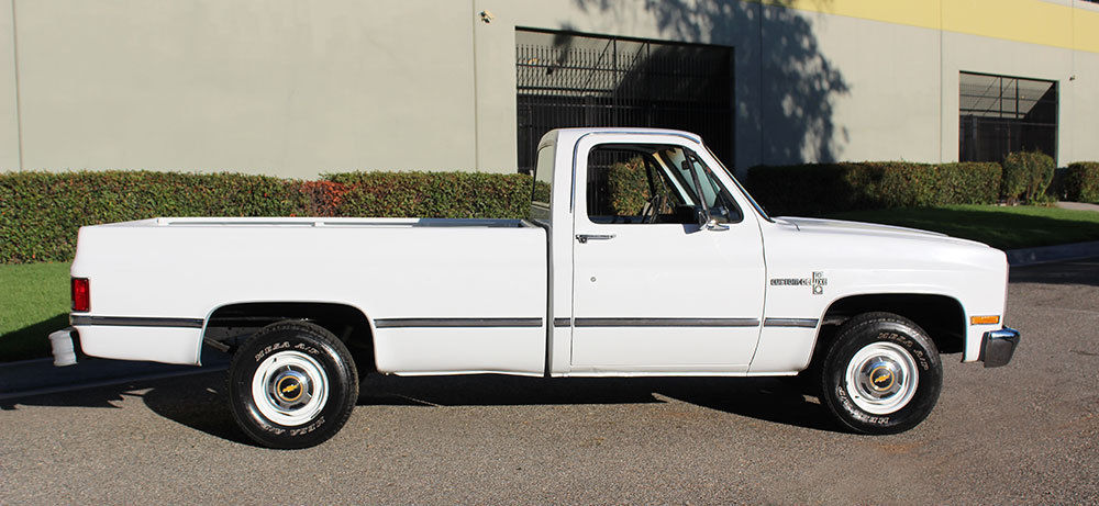 Almost flawless 1984 Chevrolet C 10 Custom Deluxe / Scottsdale / Silverado vintage