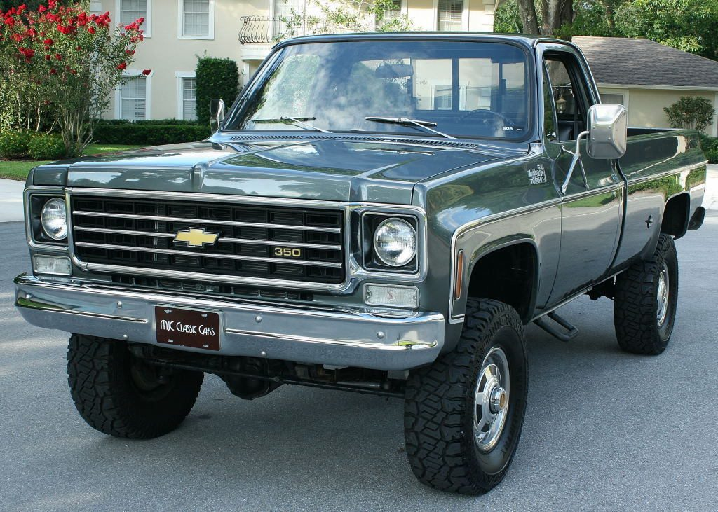 Immaculate 1975 Chevrolet C/K Pickup 2500 Pickup 4X4 lifted