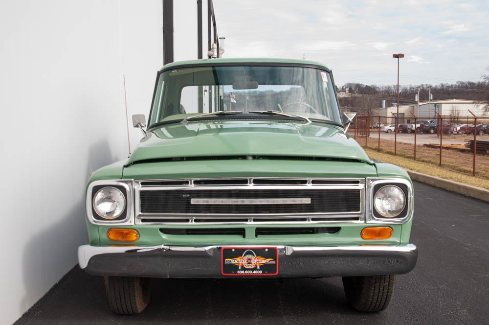 frame off restored 1968 International Harvester 100C vintage truck