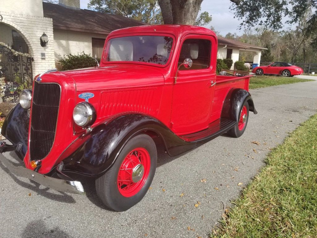 newer flathead 1935 Ford vintage truck