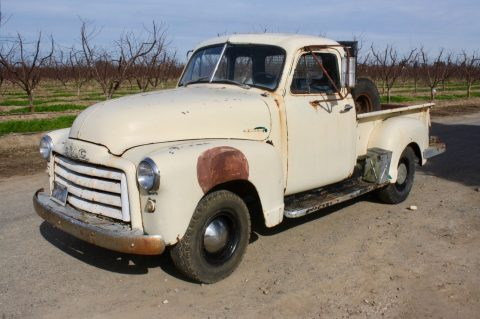 some extras 1952 Chevrolet Pickups GMC 100 vintage for sale