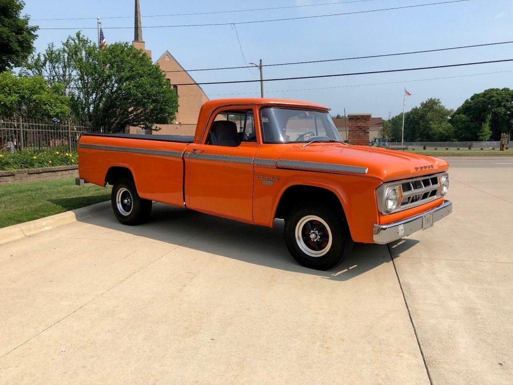 impeccable 1968 Dodge 100 Pickup vintage truck