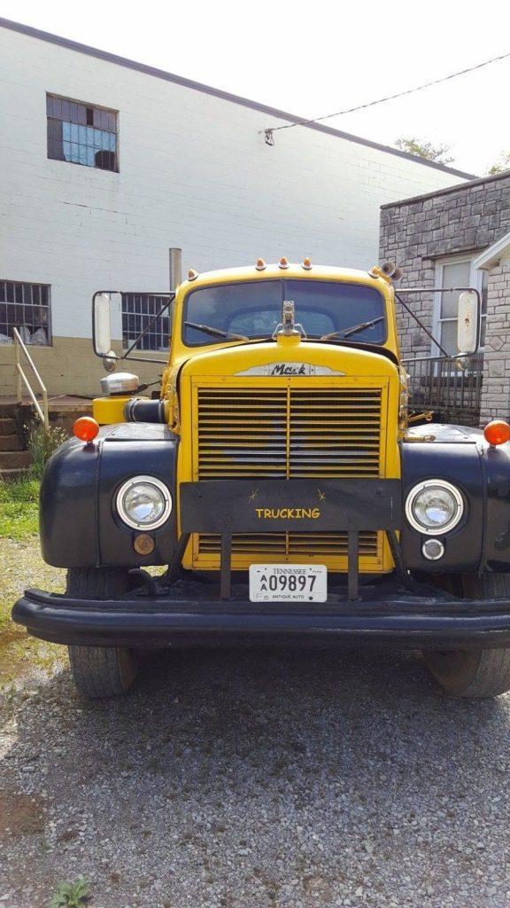 former dump truck 1962 Mack b75 truck vintage