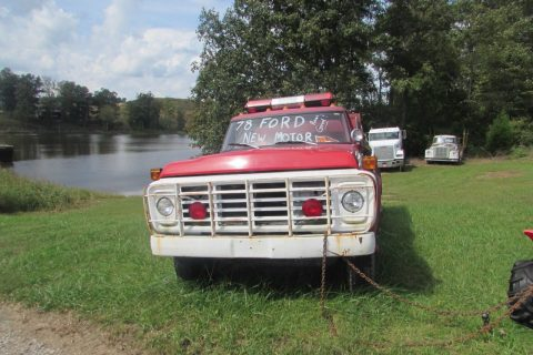 solid 1978 Ford F700 fire truck vintage for sale