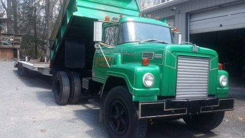 well serviced 1976 International Fleetstar 2000 vintage truck for sale