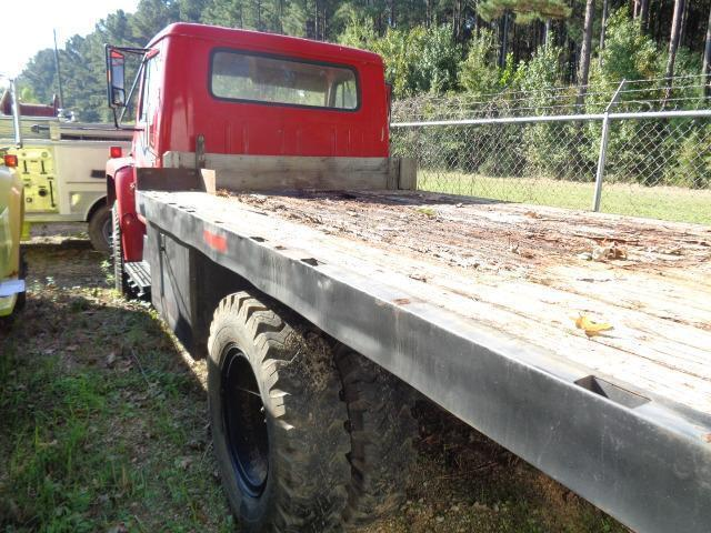 low miles 1980 International 2 ton Stake bed vintage truck