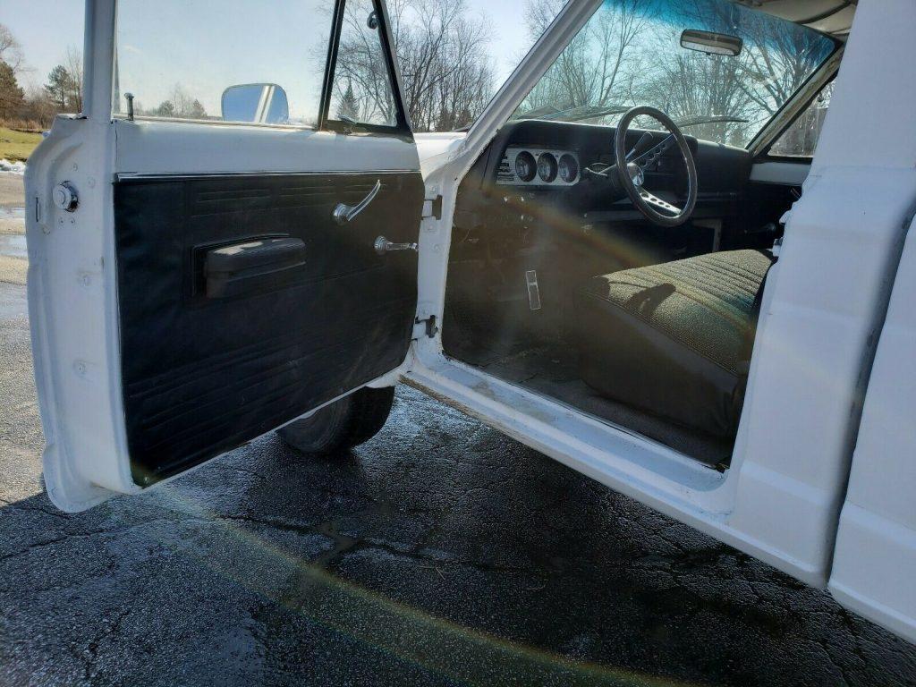 new parts 1973 Jeep J 4500 4×4 Pickup vintage