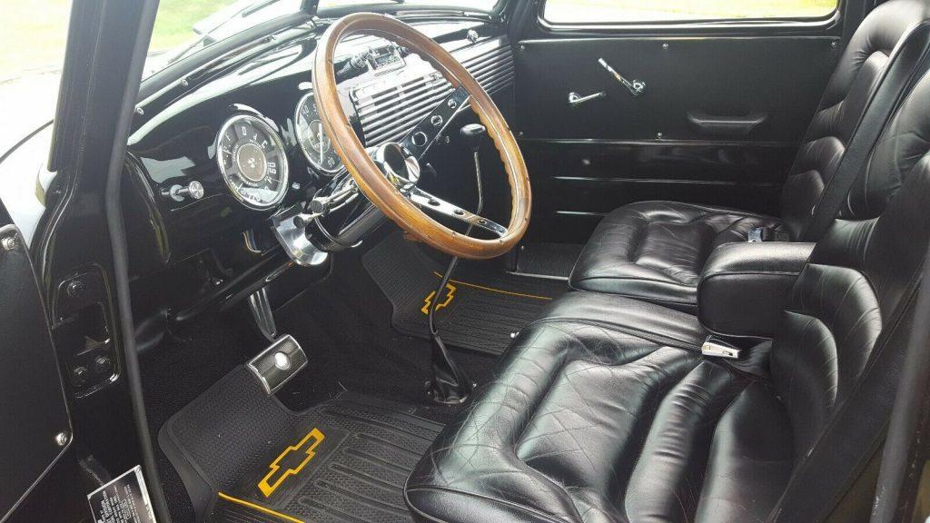 restomod 1953 Chevrolet 5 Window Pickup vintage